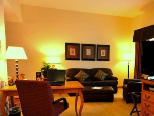 ➦  Hilton Worldwide    (Kansas) customer rating