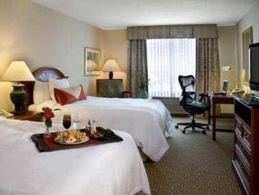 Hilton Garden Inn Chicago North Shore / Evanston hotel accepts paypal in Evanston (IL)