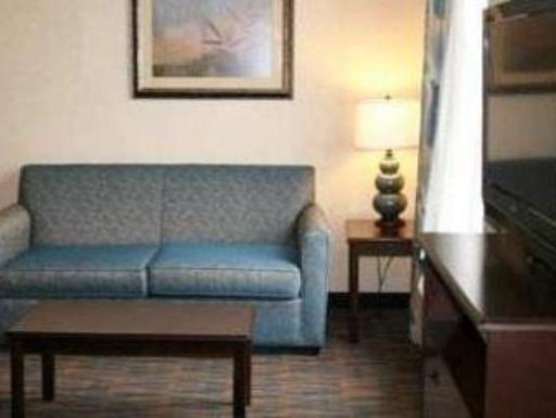 Hampton Inn and Suites Roanoke Rapids  hotel accepts paypal in Roanoke Rapids (NC)