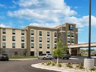 Best guest rating in Rochester (MN) ➦ Quality Inn and Suites takes PayPal
