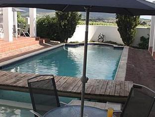 Stellenbosch Lodge Stellenbosch - Pool Deck