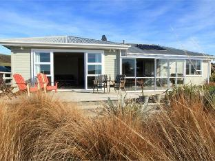 Waikava Harbour View Accommodation PayPal Hotel The Catlins