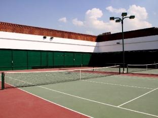 Dubai Marine Beach Resort & Spa Dubai - Tennis Court