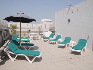 Pearl Residence Hotel Apartments Dubai - Pool Deck
