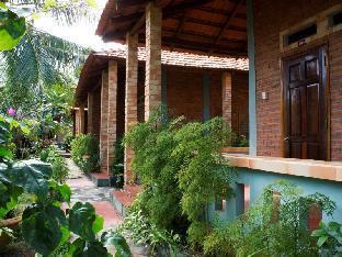 Bai Thom Cay Vong Nem Resort