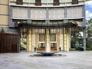 Royal View Hotel Hong Kong - Hotel Entrance