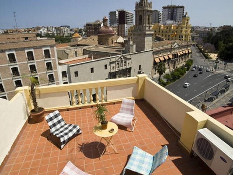 Purple Nest Hostel – Valencia 1