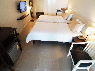 Baan Sukhita guestroom junior suite