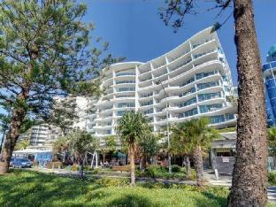 Review Sirocco 604 Sunshine Coast AU