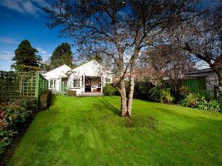 200 Holiday House Riccarton