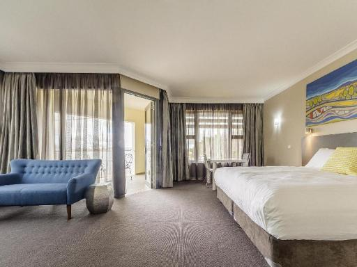 book Cowra hotels in New South Wales without creditcard