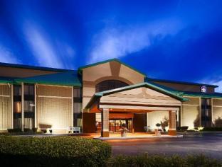 view of Best Western PLUS Cedar Bluff Inn