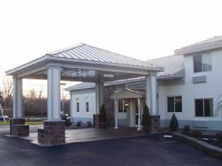 Quality Inn & Suites at I 81 Exit 45 PayPal Hotel Watertown (NY)