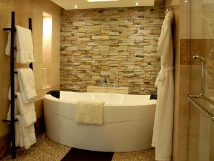 Intercontinental Hanoi Westlake Hotel Hanoi - Premium Bathroom for Master Bedroom