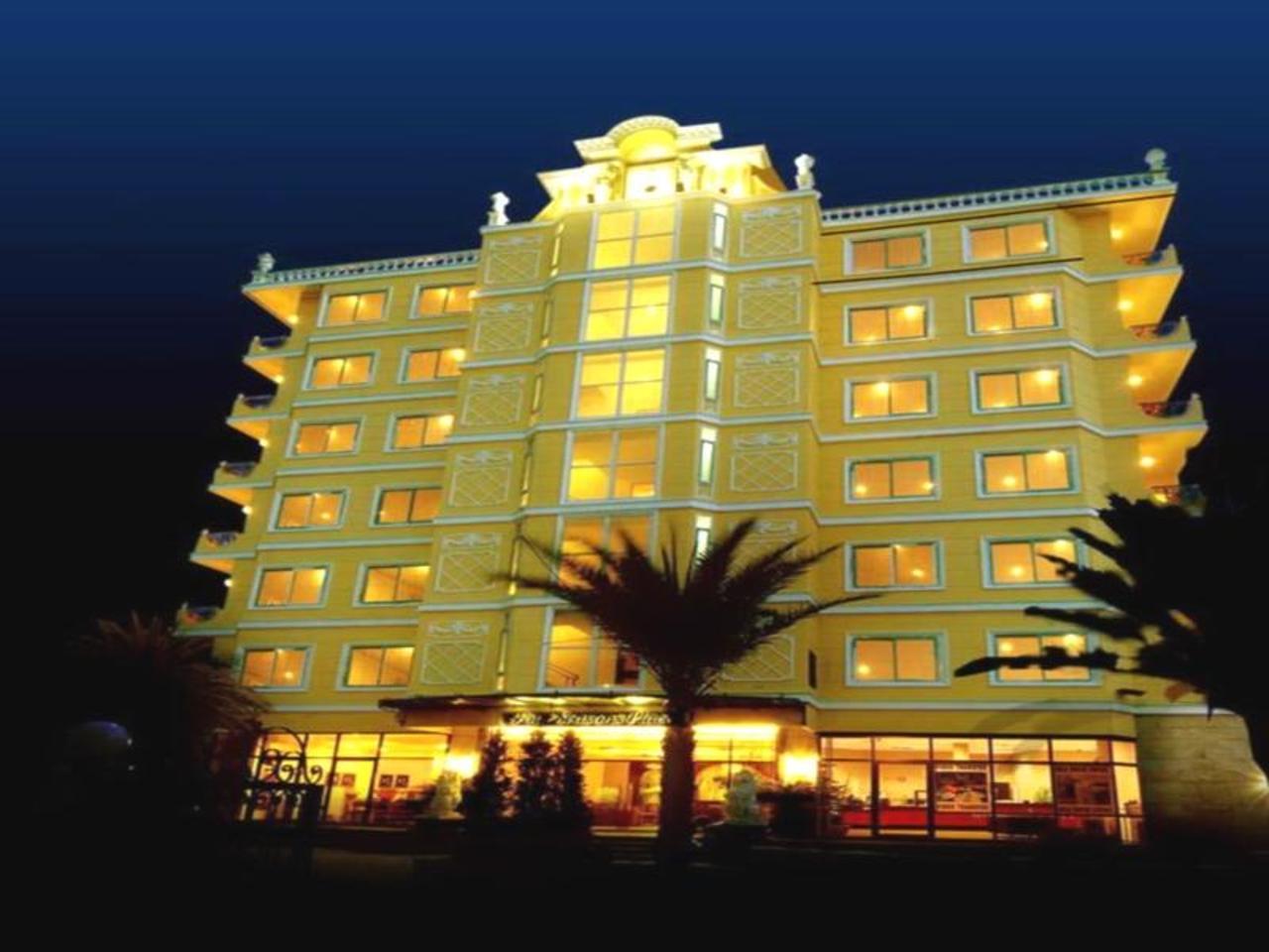 โรงแรมโฟร์ ซีซั่น เพลซ (Four Seasons Place Hotel)