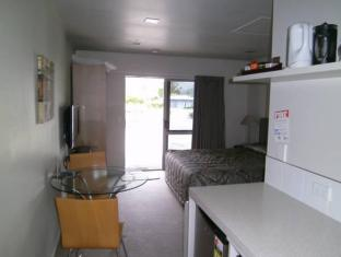 Anchorage Motel Apartments Te Anau - Guest Room
