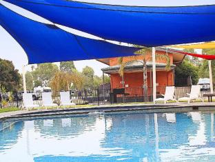 Ashley Gardens BIG4 Holiday Park - Aspen Parks Melbourne - Swimming Pool