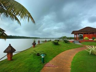 Fragrant Nature Backwater Resort & Ayurveda Spa - Kollam