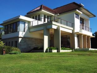 Villa Sophia Cimacan Puncak - Puncak
