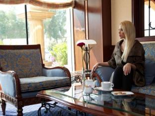 Riviera Hotel - Riviera Hotel Dubai - Creek Cafe