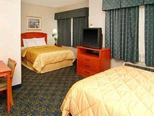 Comfort Inn & Suites Waco (TX) - Suite Room