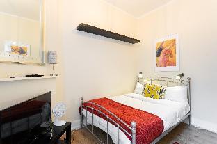 Bloomsbury Room 2 with shared bathroom (RU/CL)
