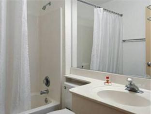 booking.com Super 8 Motel Phoenix