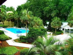 Paramount Plaza Hotel and Suites Gainesville (FL) - Swimming Pool