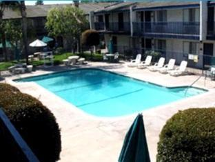 Best guest rating in Buena Park (CA) ➦ Rodeway Inn Near Maingate Knott's takes PayPal