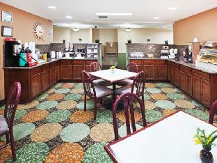 trivago La Quinta Inn & Suites Dallas Las Colinas