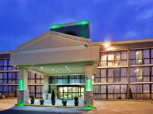 Booking Now ! SureStay Plus Hotel by Best Western Kansas City Northeast