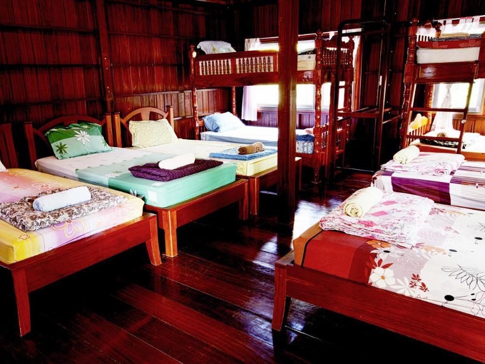RuenNamyen Resort Amphawa