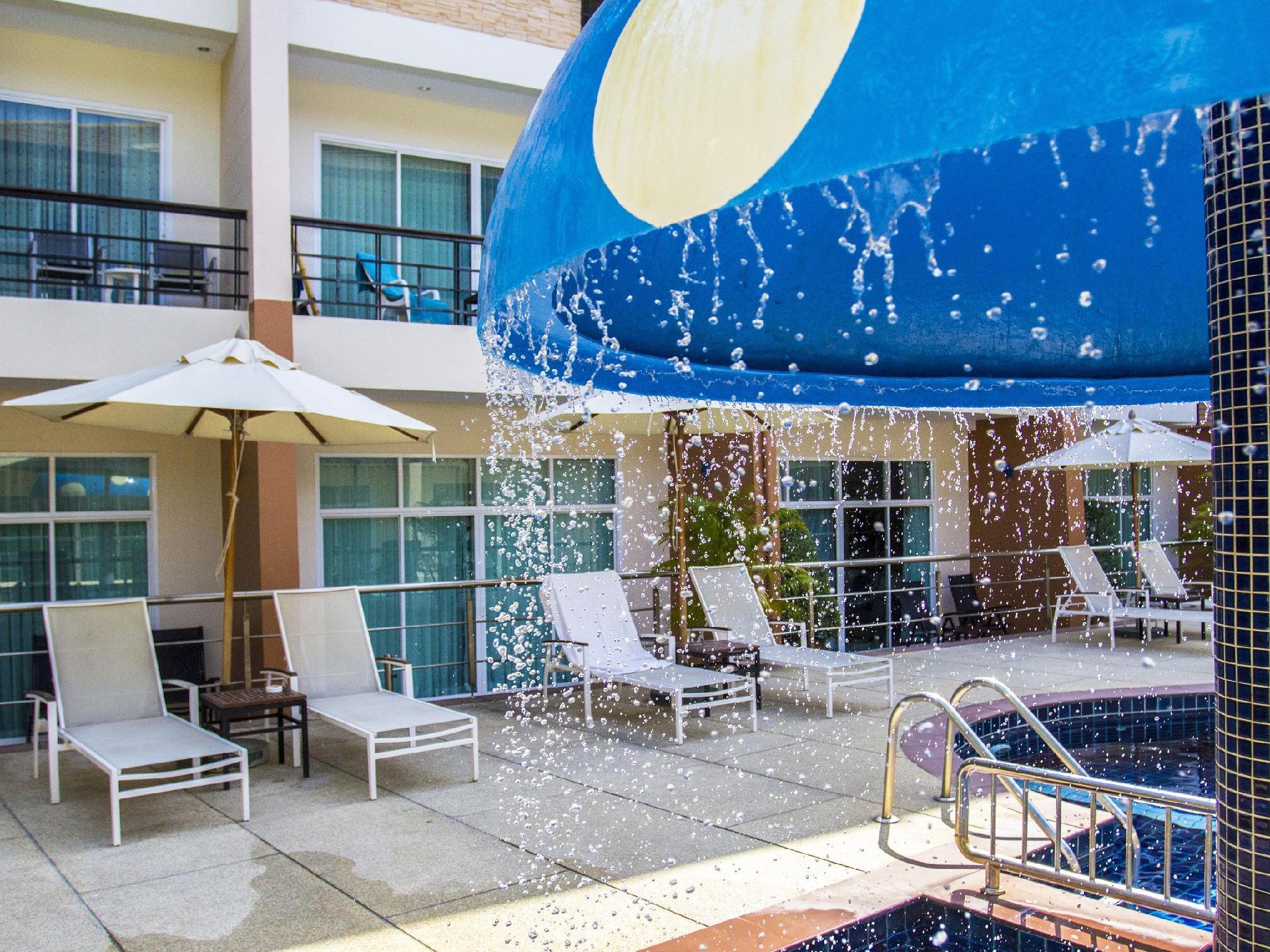 โรงแรมเดอะ บีช บูทิค เฮาส์