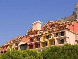 陶尔米纳拜亚Spa酒店