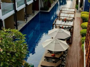 La Flora Resort Patong Phuket - Swimming Pool