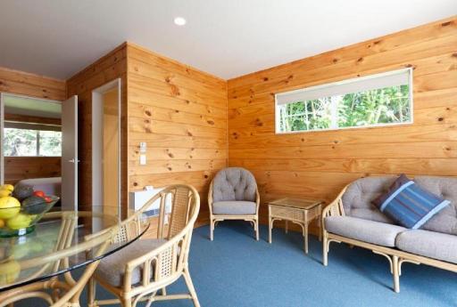Best PayPal Hotel in ➦ Pauanui Beach: