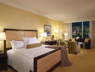 Trump International Hotel Las Vegas guestroom junior suite