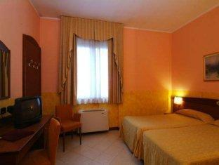 Hotel Majestic San Giuliano Milanese - Guest Room