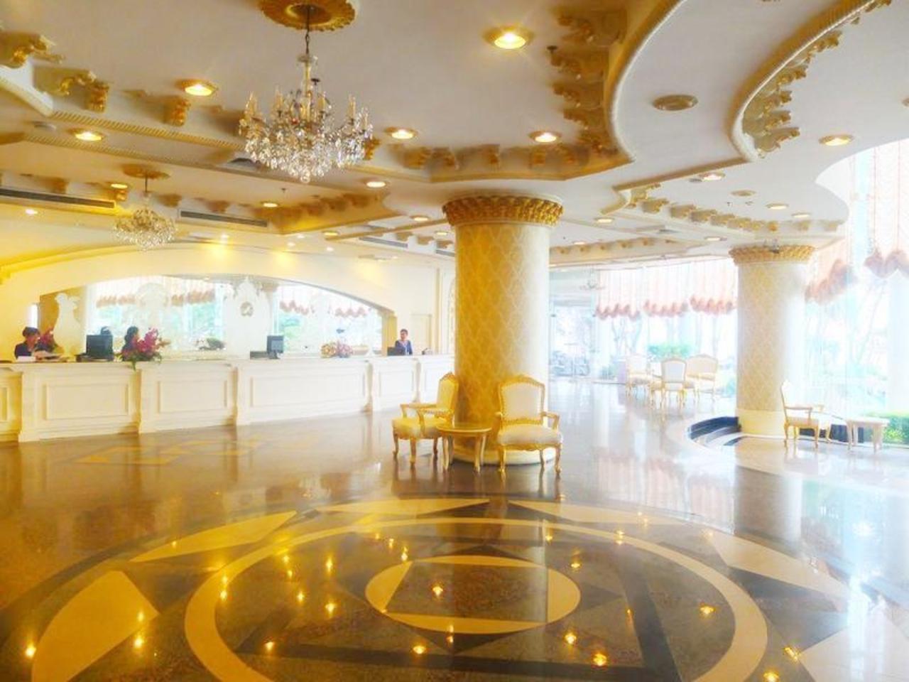 เอเดรียติก พาเลซ โฮเต็ล พัทยา (Adriatic Palace Hotel Pattaya)