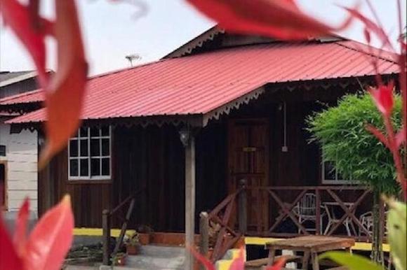 Sweet Escape To Classic Malay Cottage @ Dorani