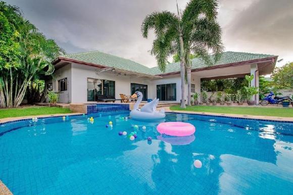 Villa Tranquility Hua Hin - relaxation, fun & sun