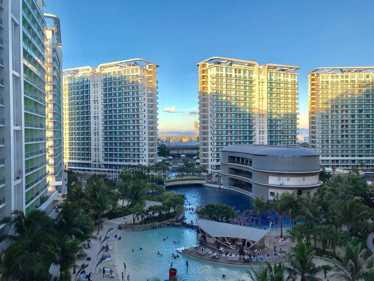 Azure Luxury Beachview 1BR Suite by VacationsPH