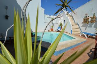 Vila with Pool, Ocean view and Palm Tree Garden
