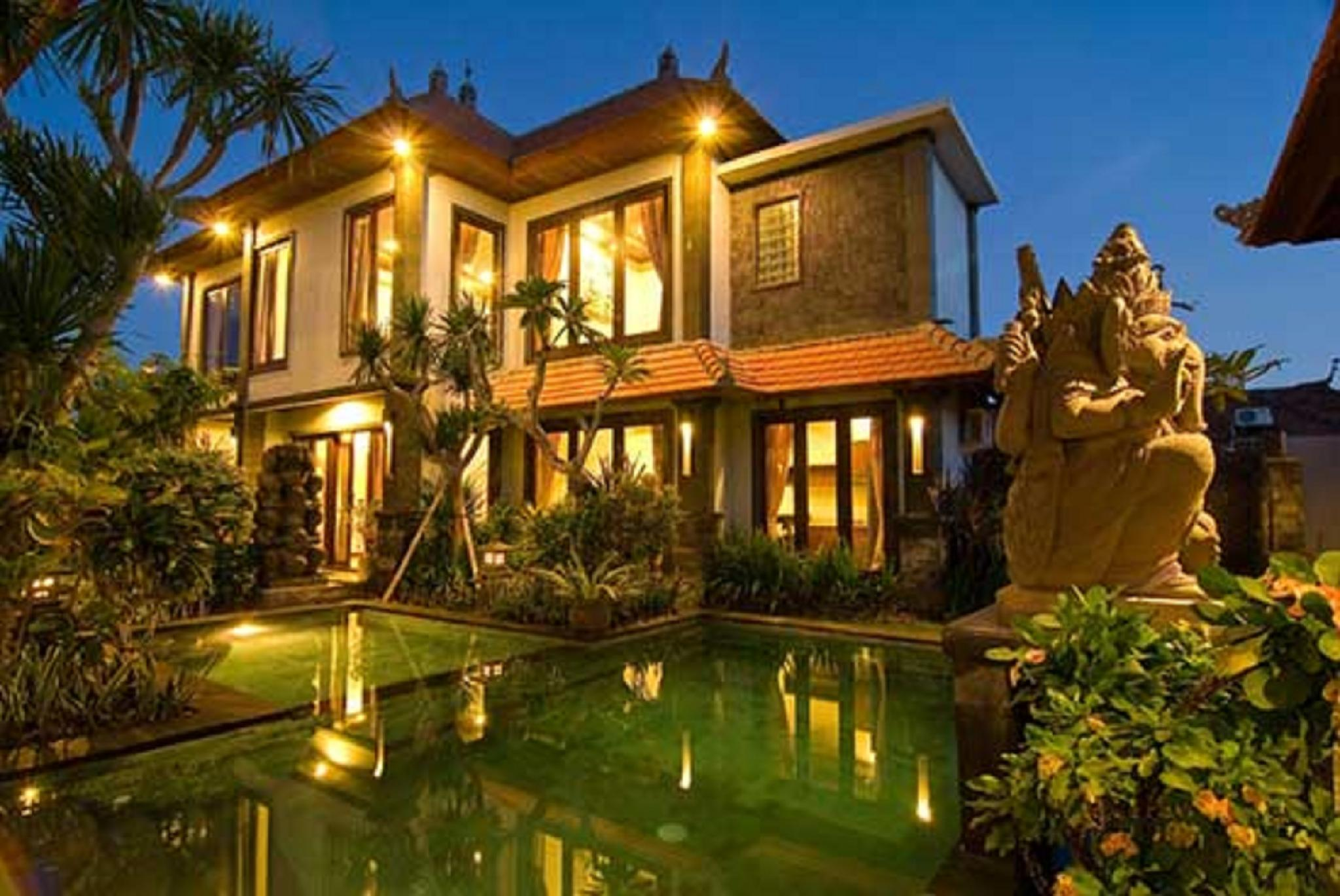 Party villa for 10 guests