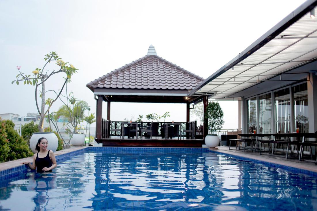 Best price on hotel dafam fortuna malioboro in yogyakarta reviews for Jogja plaza hotel swimming pool