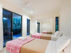 Noosa Apartments 26 Seaview Terrace
