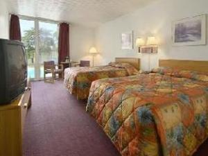 Travelodge Brook Park Cleveland Airport Hotel