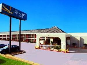 Quality Inn Longview Hotel
