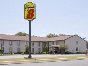 Super 8 Motel - Sun Prairie/Madison E