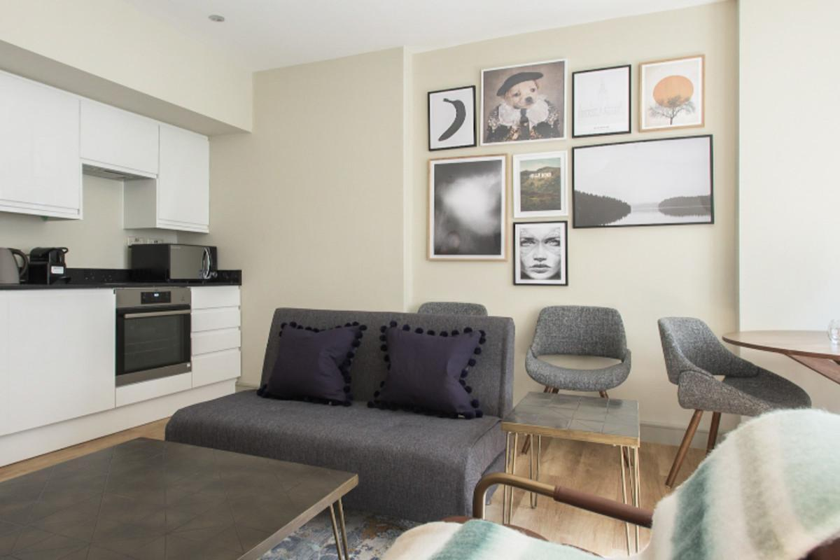 The Mayfair Parade - Trendy 1BDR Pied-a-Terre in Central London